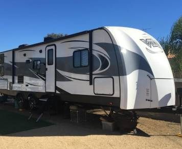 2018 35' VIBE - FREE DELIVERY TO CAMPLAND ON THE BAY • KOA CHULA VISTA • DE ANZA MISSION BAY PARK WITH A 2+ NIGHTS MIN RENTAL & FULL HOOK UPS SITE