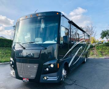 2016 Itasca Sunstar 36Y - NO Special Driver's License Needed!