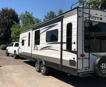 2018 Jayco Jay Flight Rocky Mountain 28 foot rear living