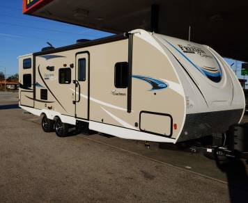 2019 Coachmen Freedom Ultra Express 275 BHS