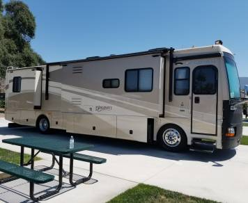 2008 Discovery by Fleetwood 39L