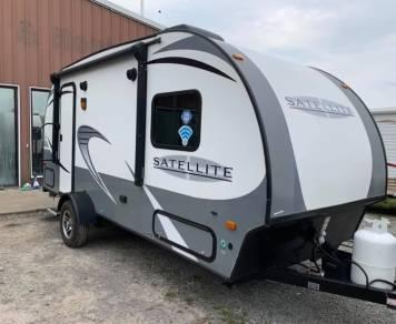 2018 Starcraft Satellite