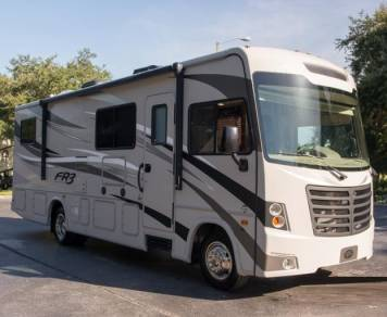 2015 Forest River FR3 28DS - NO SPECIAL LICENSE NEEDED!