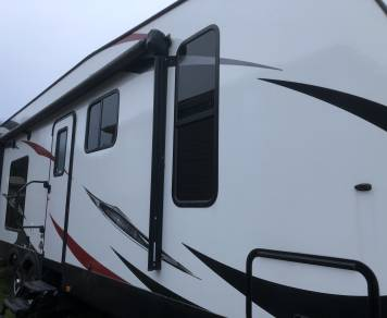 2016 Stryker ST 2812 with slide out