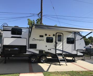 2019 Surveyor Luxury/ 245BHS