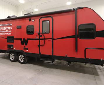 2015 Winnebago Minnie Travel Trailer Red