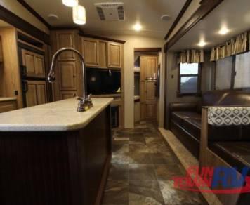 2016 Shasta RVs Phoenix 31BH