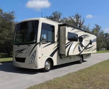 2017 Thor Motor Coach 29M
