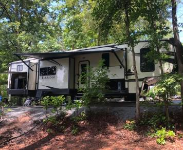 2018 **FREE DELIVERY & SET UP @ MB** Heartland Elkridge 37BHS 5th Wheel