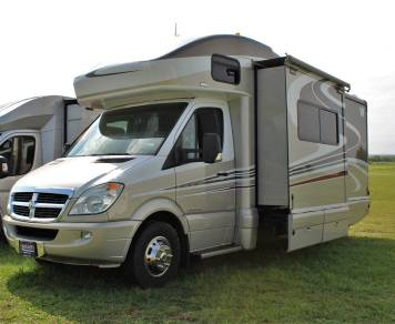 2009 Winnebago View 24J