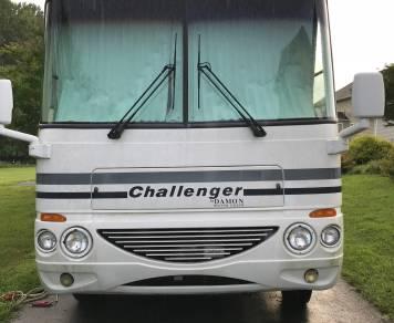 2005 Damon Challenger 371