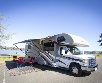 2016 Thor Four Winds 28z (Sleeps 8)