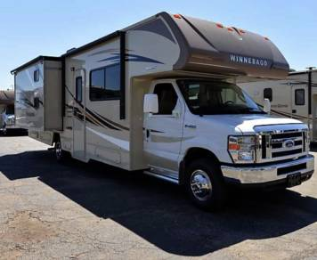 2017 NEW Winnebago 31' BUNKHOUSE