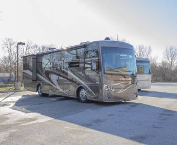 2018 PALAZZO 33.3 Bunkhouse Diesel Pusher - WOW!