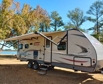 2019 Coleman 30' Couples Coach! Bring your pet! Delivery Available