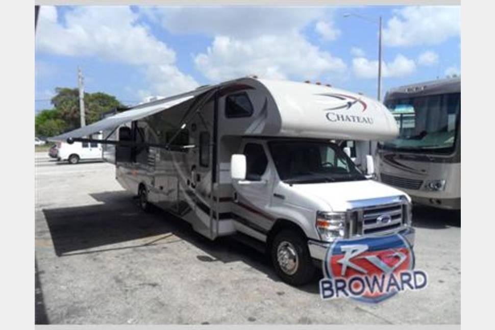 2013 Thor Motor Coach Chateau Series M 31l E45 V10 Rv Rental In Fort Lauderdale Fl