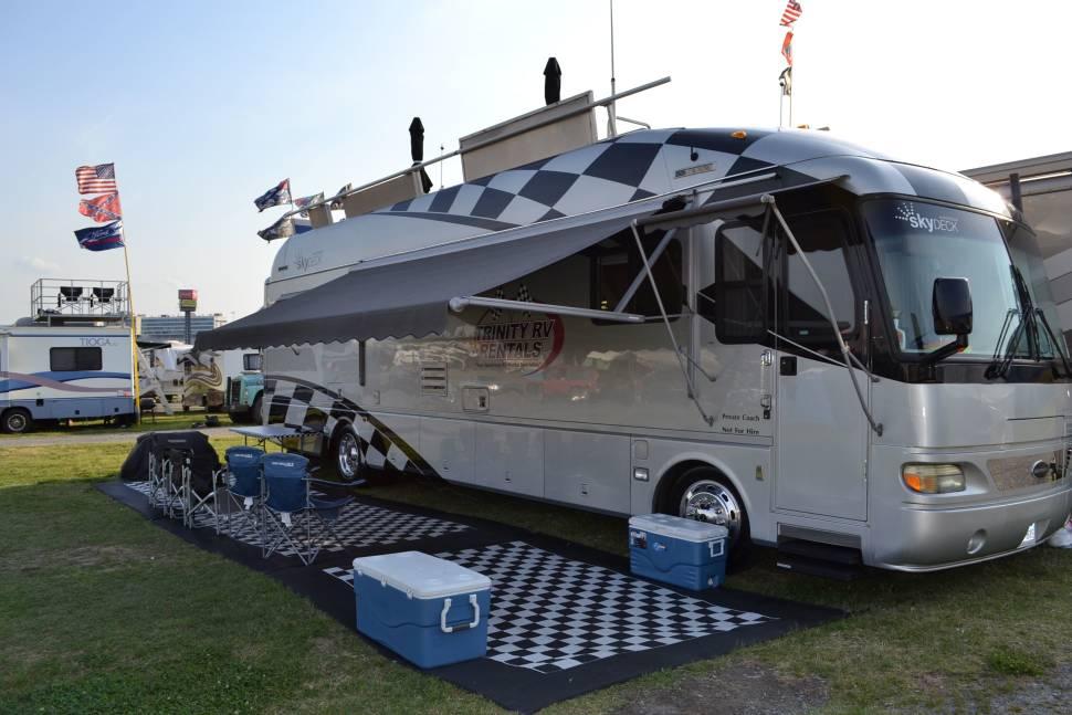 Skydeck rv autos post for Motor home rentals dallas