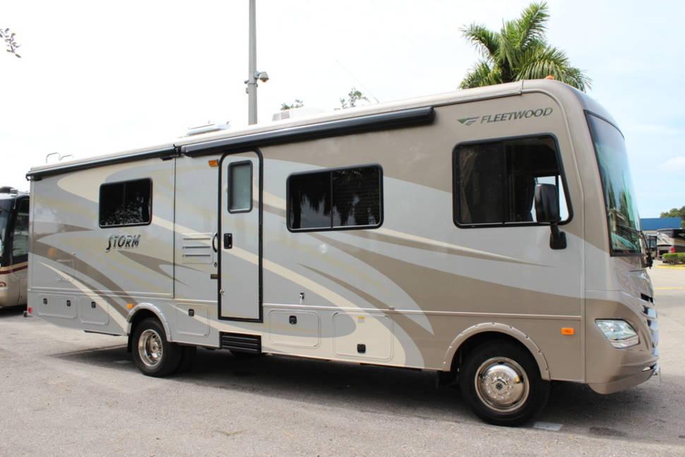 Popular 2015 FleetwoodStorm 32H RV Rental In HendersonLas Vegas