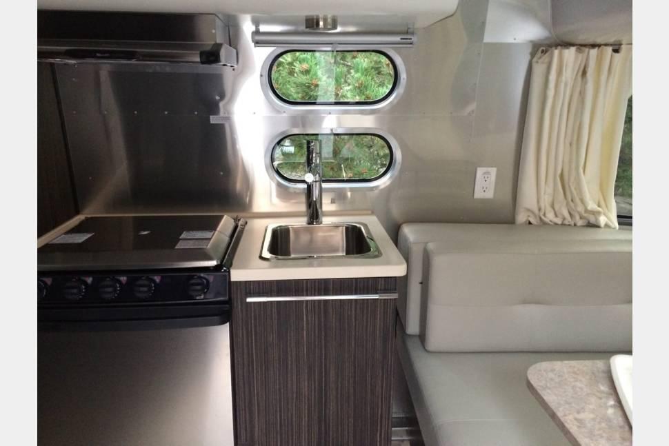 2014 Airstream International Rv Rental In Reno Nv Rvshare Com