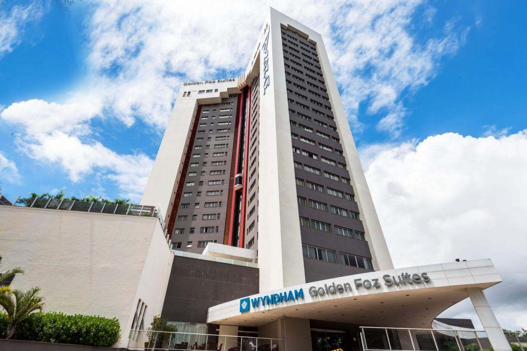 Na região central de Foz do Iguaçu Hotel Wyndham Golden Foz Suítes