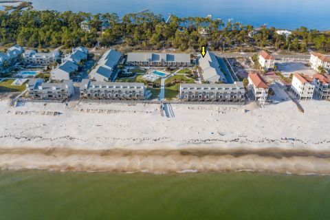Turtle and the Pearl, vacation rental in St. George Island, Townhome Rental, 1 bedroom 1 bathroom and sleeps 4