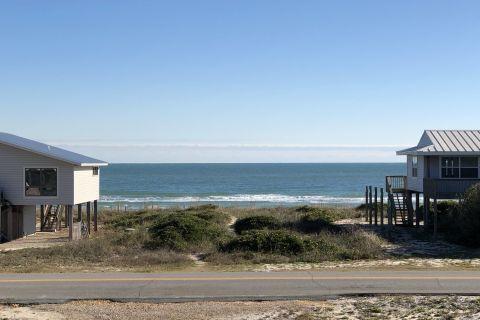 Hang Ten - Beachside - 100 steps to the sand, vacation rental in St. George Island, House Rental, 3 bedroom 3 bathroom and sleeps 9