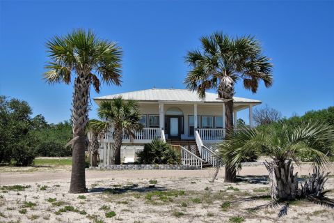 Captain N Crew, vacation rental in St. George Island, House Rental, 3 bedroom 2 bathroom and sleeps 6