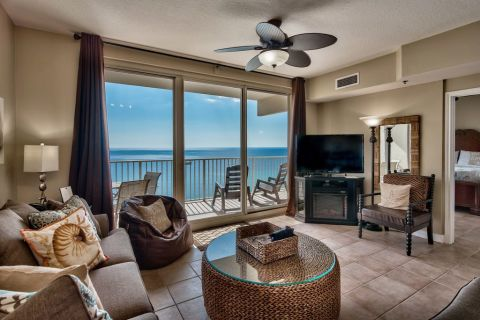 Vacation Life Properties: Shores of Panama Unit 1912 in Panama City Beach. Shores of Panam  1912 offers 1 bedroom with King bed plus bunk room with tw