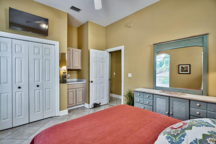 Queen bedroom with flat screen TV