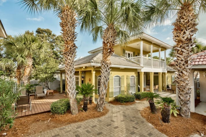 Coconut Cove 4br / 2.5ba home in Emerald Shores