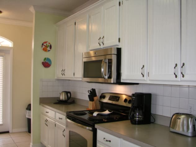 Well Supplied Galley style kitchen has all your cooking needs!