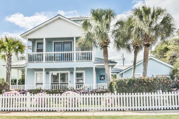 Delightful Crystal Beach, Destin Area Vacation Rental House