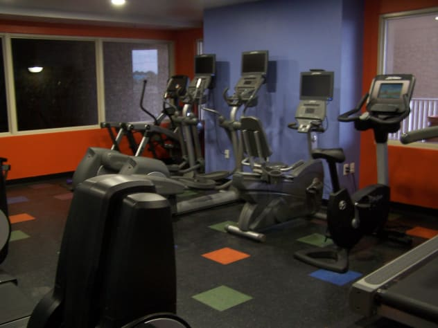 work out rooms, 3 rooms with fitness equipment