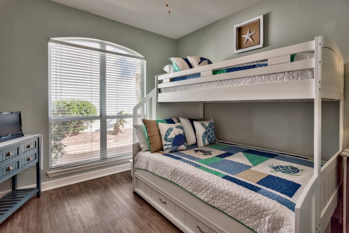 3rd Guest Bedroom with bunks (twin / full) w/ trundle, Jack N Jill full bathroom