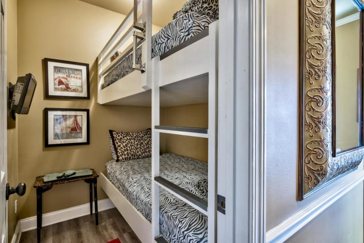 Coconut Cove at Emerald Shores - 1st Floor Twin Over Twin Bunk Room w/ TV