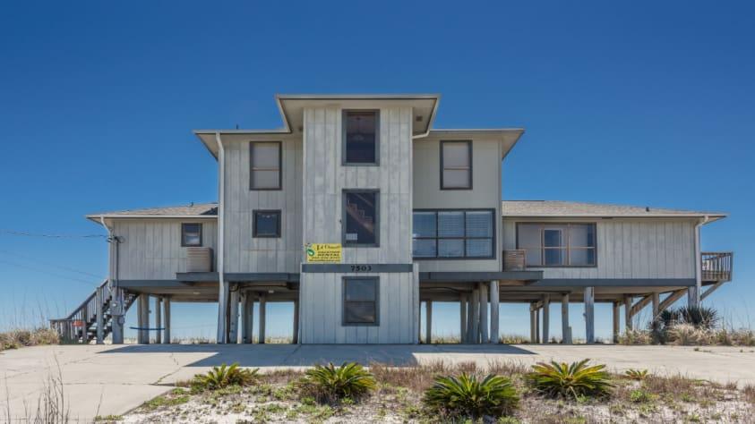 Le Chateau Navarre Beach