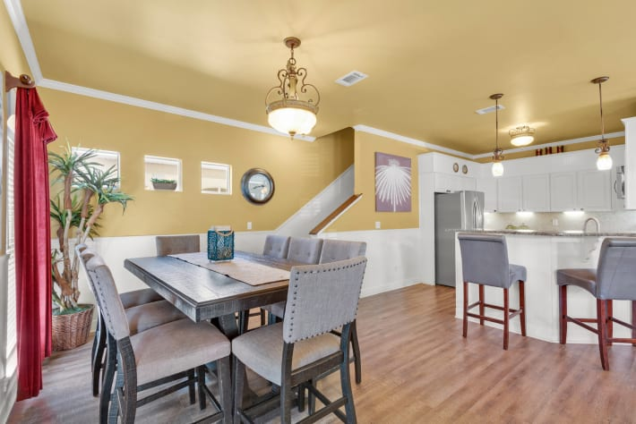 Coconut Cv - Breakfast Bar, Dining and Kitchen Areas