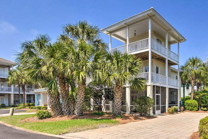 3 story house, closest street to the beach; comfortably sleeps 15!