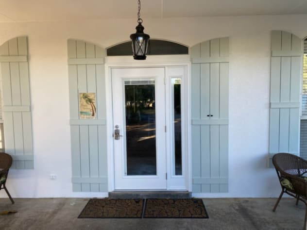Newly painted exterior, New front door, New lighting!