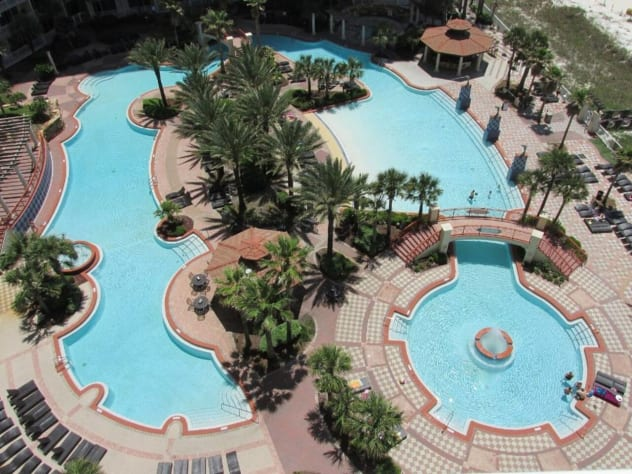 Notice there is a zero-entrance pool area, along with lots of room to float around in this huge pool.