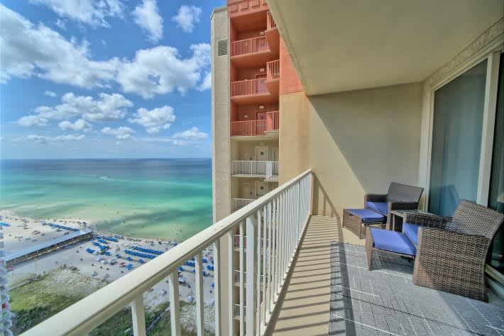 Enjoy Awesome Oceanviews...from your Own Double-Sized Lanai
