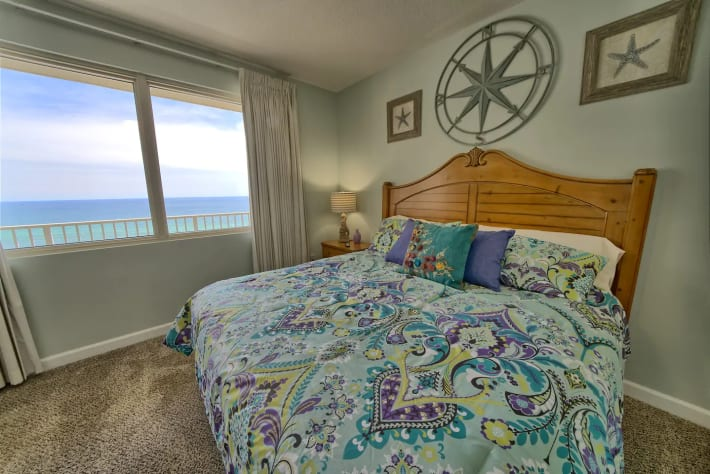 King size Bedroom with View of the Gulf!!