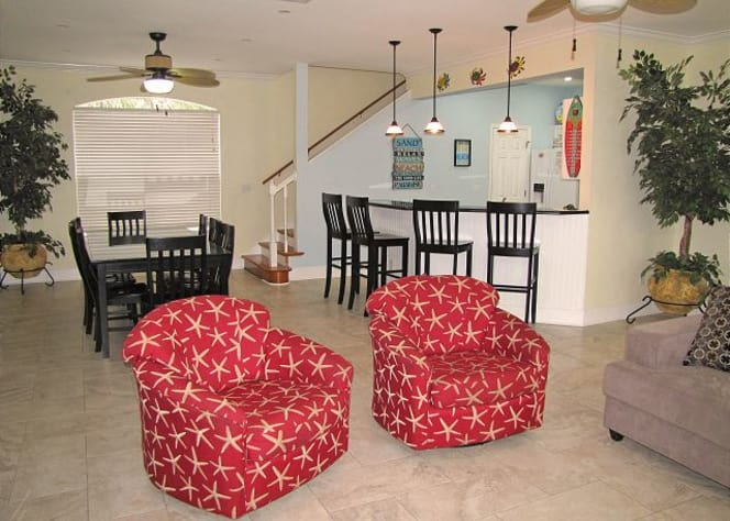 Large open Main floor living area. Great for socializing!