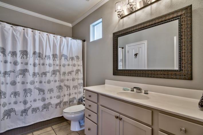 3rd Floor full en suit bathroom w/ jacuzzi also accessible from bonus room