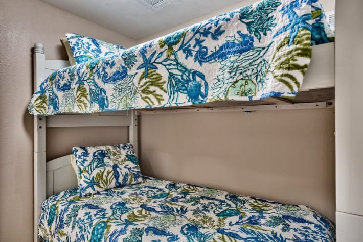 Bunk bed room with twin bunks