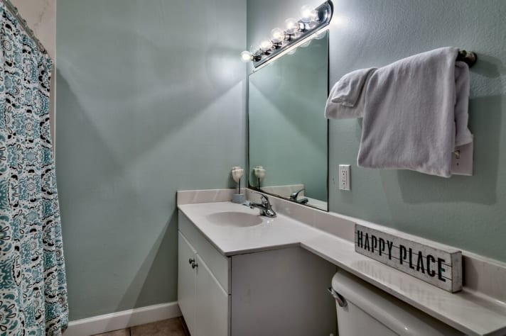 Updated bathroom in Guest Room