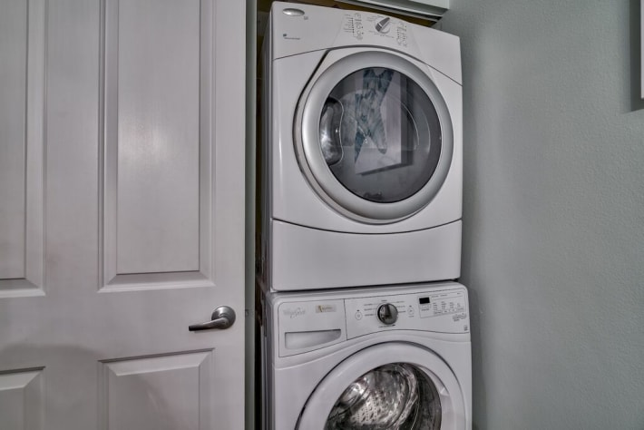 Full sized Washer/ Dryer in unit