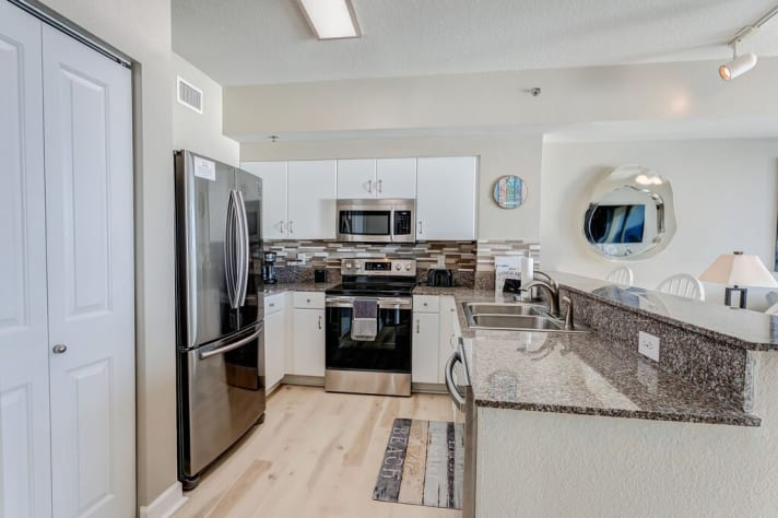 Granite Counters, Large Pantry and everything you need!