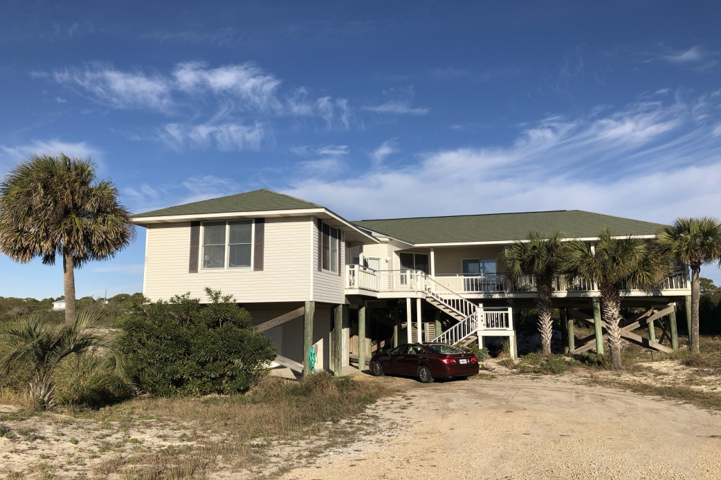 Hang Ten - Beachside - 100 steps to the sand   {{City}}, {{State}} Vacation Rental   #1