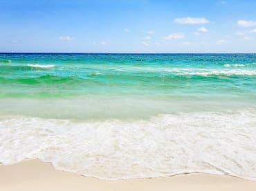 1922.Ocean and Pool View Sleeps 12 New Condo - Thumbnail Image #4